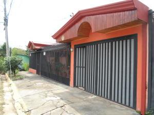 Casa En Ventaen Barrio Dent, Montes De Oca, Costa Rica, CR RAH: 20-1262