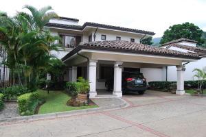 Casa En Ventaen Escazu, Escazu, Costa Rica, CR RAH: 20-1305
