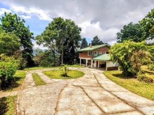 Casa En Ventaen San Ramon - La Union, La Union, Costa Rica, CR RAH: 20-1331