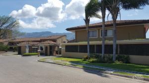 Casa En Ventaen Pozos, Santa Ana, Costa Rica, CR RAH: 20-1343