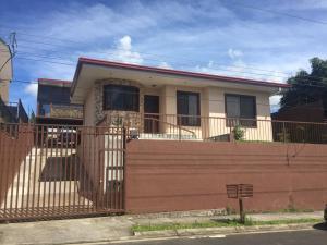 Casa En Ventaen Pavas, Alajuela, Costa Rica, CR RAH: 20-1354