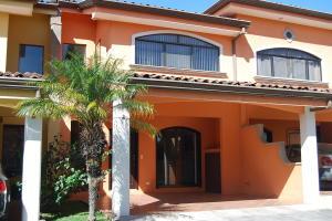 Casa En Alquileren Pozos, Santa Ana, Costa Rica, CR RAH: 20-1373