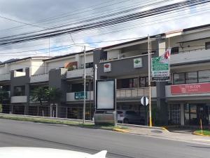 Local Comercial En Alquileren Santa Ana, Santa Ana, Costa Rica, CR RAH: 20-1382
