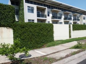 Apartamento En Alquileren Santa Ana, Santa Ana, Costa Rica, CR RAH: 20-1399