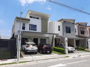 Casa En Ventaen Ciudad Colon, Mora, Costa Rica, CR RAH: 20-1418