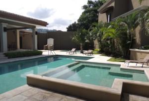 Casa En Alquileren Pozos, Santa Ana, Costa Rica, CR RAH: 20-1426