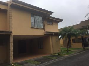 Casa En Ventaen San Rafael, Montes De Oca, Costa Rica, CR RAH: 20-1466