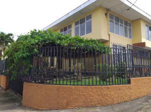 Apartamento En Alquileren Sabana, San Jose, Costa Rica, CR RAH: 20-1477