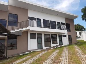 Apartamento En Alquileren Pozos, Santa Ana, Costa Rica, CR RAH: 20-1595