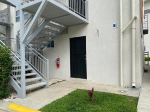 Apartamento En Alquileren Rio Oro, Santa Ana, Costa Rica, CR RAH: 20-1609