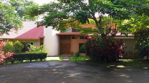 Casa En Ventaen La Guacima, Alajuela, Costa Rica, CR RAH: 20-103