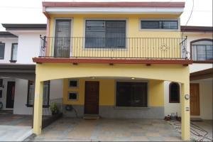 Casa En Alquileren San Antonio, Desamparados, Costa Rica, CR RAH: 20-1618
