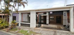 Casa En Ventaen Moravia, Moravia, Costa Rica, CR RAH: 20-1636