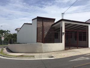 Casa En Ventaen Barva De Heredia, Barva, Costa Rica, CR RAH: 20-1653