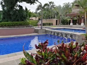 Apartamento En Ventaen Pozos, Santa Ana, Costa Rica, CR RAH: 20-1716