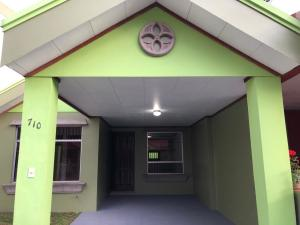 Casa En Ventaen Ulloa, Heredia, Costa Rica, CR RAH: 20-1768