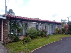 Casa En Ventaen Guapiles, Pococi, Costa Rica, CR RAH: 20-1815