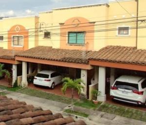 Casa En Alquileren Pinares, Curridabat, Costa Rica, CR RAH: 20-1827