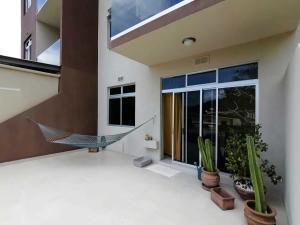 Apartamento En Alquileren Santa Ana, Santa Ana, Costa Rica, CR RAH: 20-1855