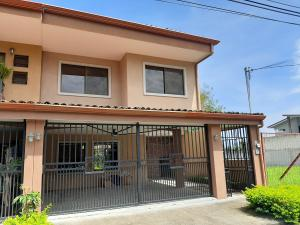 Casa En Ventaen Santa Ana, Santa Ana, Costa Rica, CR RAH: 20-1944