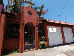 Casa En Ventaen Moravia, Moravia, Costa Rica, CR RAH: 20-832