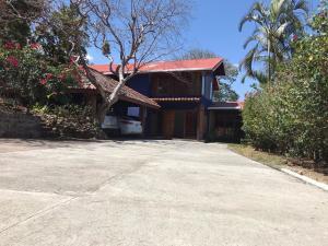 Casa En Alquileren Escazu, Escazu, Costa Rica, CR RAH: 20-1926