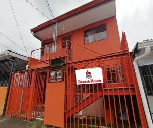 Apartamento En Ventaen Guadalupe, Goicoechea, Costa Rica, CR RAH: 20-1976