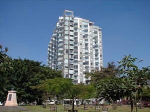 Apartamento En Alquileren Rohrmoser, San Jose, Costa Rica, CR RAH: 20-1994