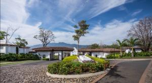 Terreno En Ventaen Ulloa, Heredia, Costa Rica, CR RAH: 20-2034