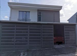 Apartamento En Alquileren Ciudad Colon, Santa Ana, Costa Rica, CR RAH: 20-2046