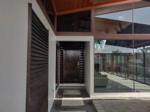Casa En Ventaen Guapiles, Pococi, Costa Rica, CR RAH: 20-2052