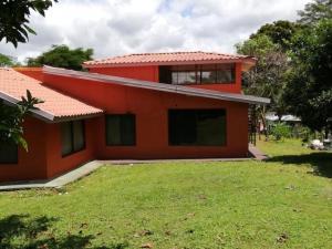 Casa En Ventaen Sardinal, Parrita, Costa Rica, CR RAH: 20-2062