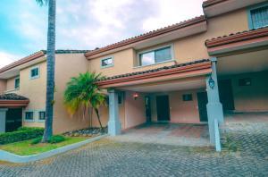Casa En Alquileren Escazu, Escazu, Costa Rica, CR RAH: 20-2116