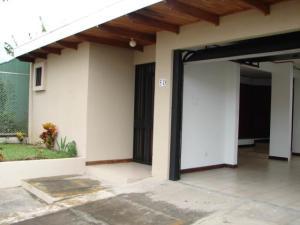 Casa En Alquileren Curridabat, Curridabat, Costa Rica, CR RAH: 20-2145
