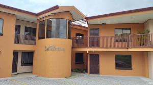 Apartamento En Alquileren Guadalupe, Goicoechea, Costa Rica, CR RAH: 20-2158