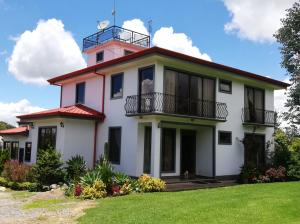 Terreno En Ventaen San Nicolas, Cartago, Costa Rica, CR RAH: 20-2161