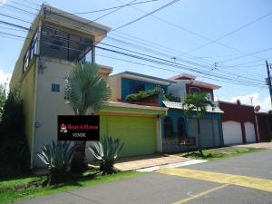 Casa En Ventaen San Joaquin De Flores De Heredia, Flores, Costa Rica, CR RAH: 20-831