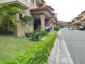 Casa En Alquileren Guachipelin, Escazu, Costa Rica, CR RAH: 20-2169