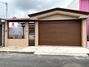 Casa En Ventaen Cartago Centro, Cartago, Costa Rica, CR RAH: 20-1243