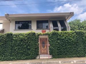 Casa En Ventaen Santa Rosa, Santo Domingo, Costa Rica, CR RAH: 20-2181