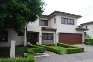 Casa En Alquileren Santa Ana, Santa Ana, Costa Rica, CR RAH: 20-2121