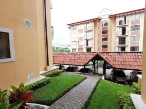 Apartamento En Ventaen La Uruca, San Jose, Costa Rica, CR RAH: 20-2209