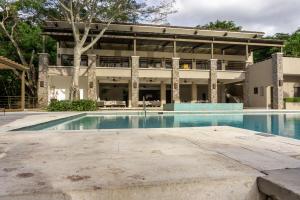 Apartamento En Alquileren Santa Ana, Santa Ana, Costa Rica, CR RAH: 21-7