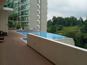 Apartamento En Alquileren Rohrmoser, San Jose, Costa Rica, CR RAH: 21-10