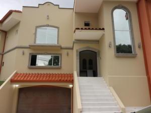 Casa En Ventaen Laureles, Escazu, Costa Rica, CR RAH: 21-15