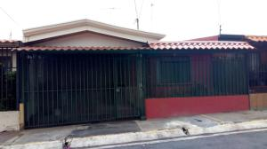 Casa En Ventaen Mercedes Norte, Heredia, Costa Rica, CR RAH: 21-25