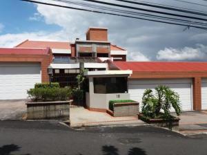 Apartamento En Alquileren San Miguel, Escazu, Costa Rica, CR RAH: 21-29