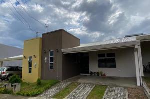 Casa En Ventaen San Rafael De Heredia, Heredia, Costa Rica, CR RAH: 21-65