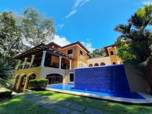 Casa En Ventaen Jaco, Garabito, Costa Rica, CR RAH: 21-89