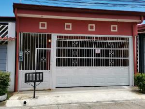 Casa En Ventaen Alajuela Centro, Alajuela, Costa Rica, CR RAH: 21-151